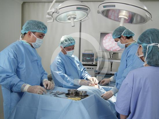 Chuyên gia phân tích kĩ thuật cắt mắt sụp mí 2
