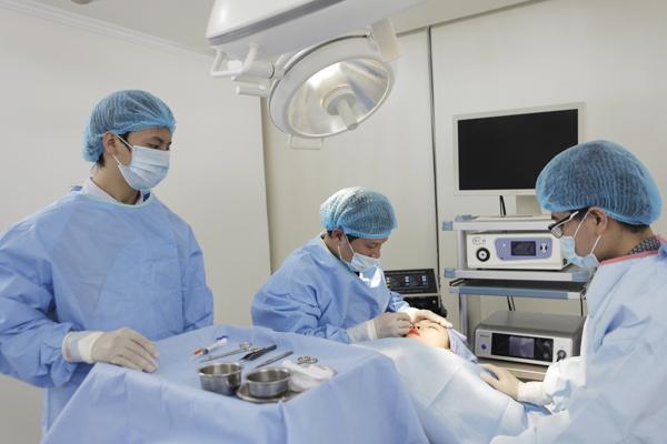 Bước tiến lớn của ngành giải phẫu thẩm mỹ mắt  2