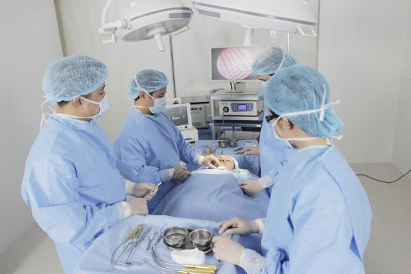 Phẫu thuật cắt mí mắt trên dưới góc nhìn chuyên gia 3