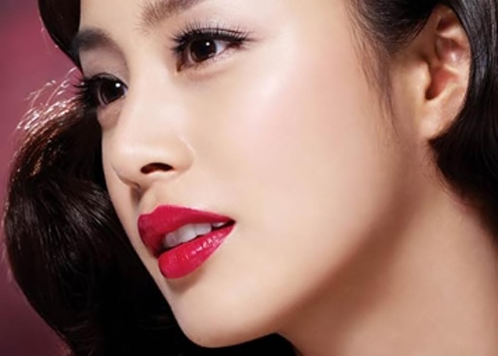 Mắt 2 mí đẹp hoàn hảo với kĩ thuật bấm mí Hàn Quốc