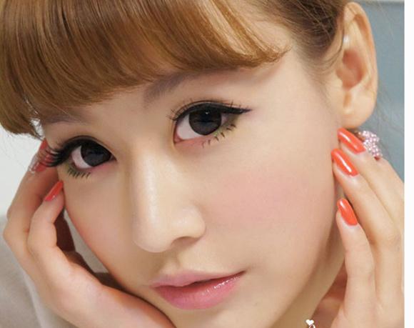 Giới trẻ phát cuồng với phương pháp bấm mí Hàn Quốc 1