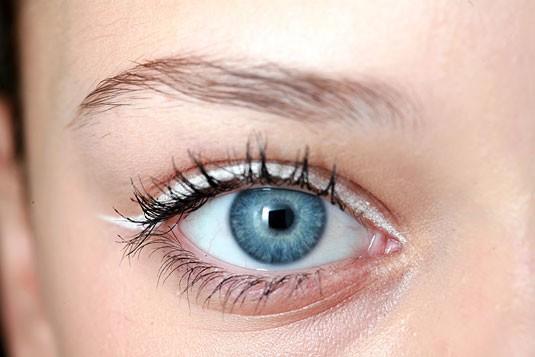 3 Cách làm mắt một mí to hơn cực kỳ đơn giản 4