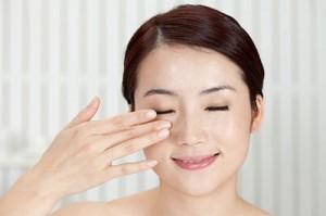 Cắt mí mắt Hàn Quốc có làm hết da chùng mắt không?