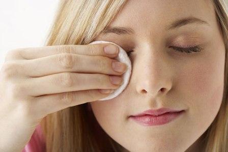 Bật mí cách giữ nếp mí mắt cân đối và đều vào mỗi sáng 2